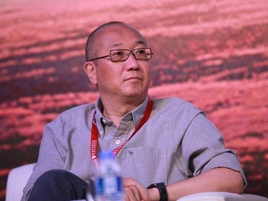"""""""2014亚布力中国企业家论坛夏季高峰会""""于2014年8月22日-24日在河南郑州召开。上图为万通控股有限公司董事长冯仑。"""