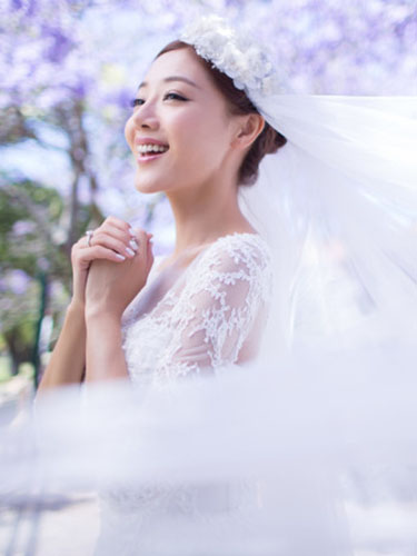 邓家佳新娘清新发型魅力十足