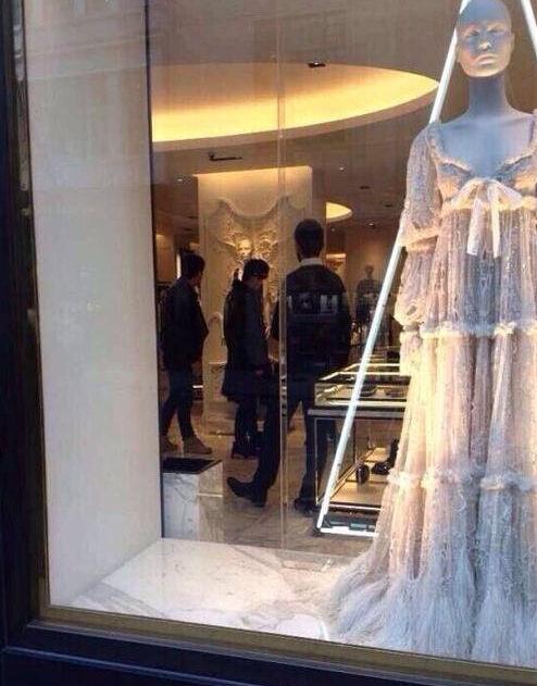 周杰伦逛婚纱店