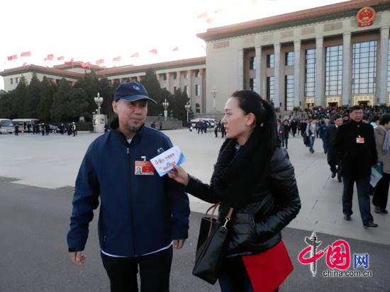 腾格尔:残酷虐待动物是文明社会不应容忍的行为(记者王金梅)