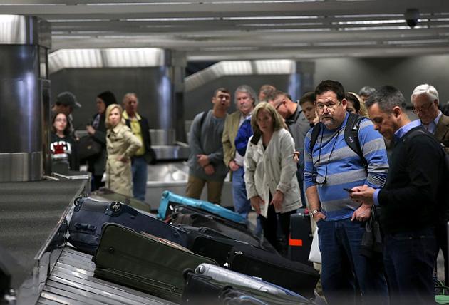 """""""三星将与新秀丽联手开发智能行李箱 可自动提醒航班"""