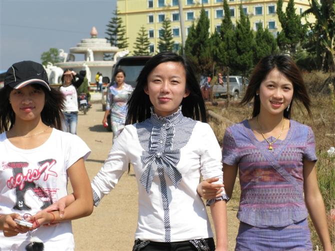 缅甸佤邦美女说出惊人之语:我们不想归顺中国!