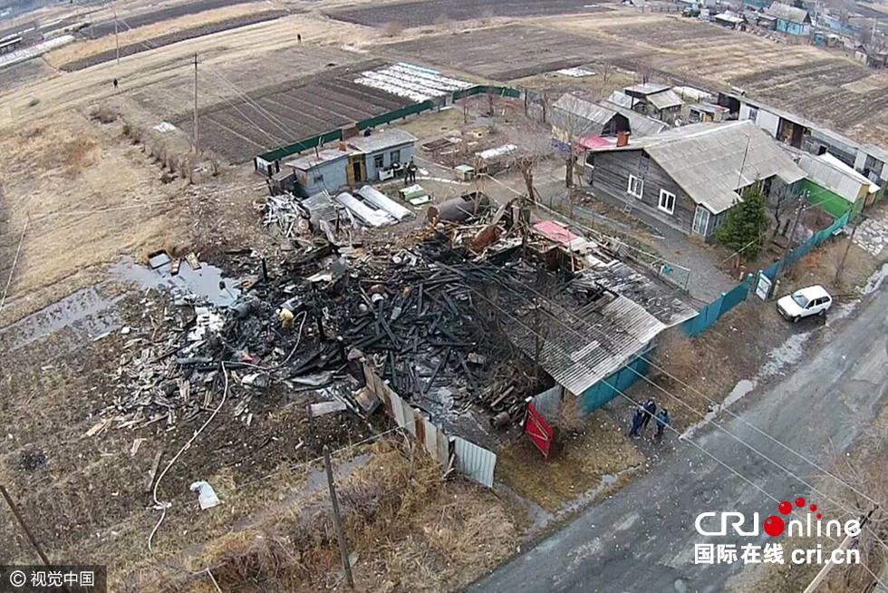 俄罗斯一架苏-25飞机坠毁 飞行员逃生