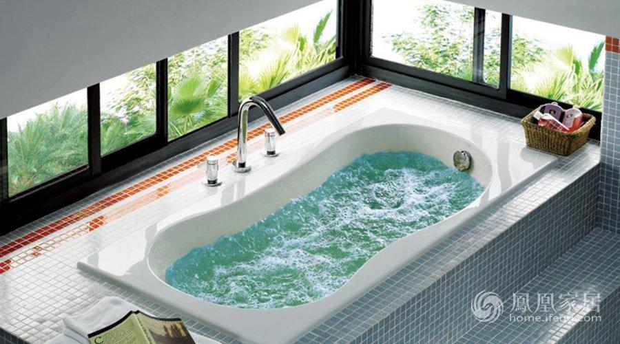 浴缸是用水大户,尽量少用。
