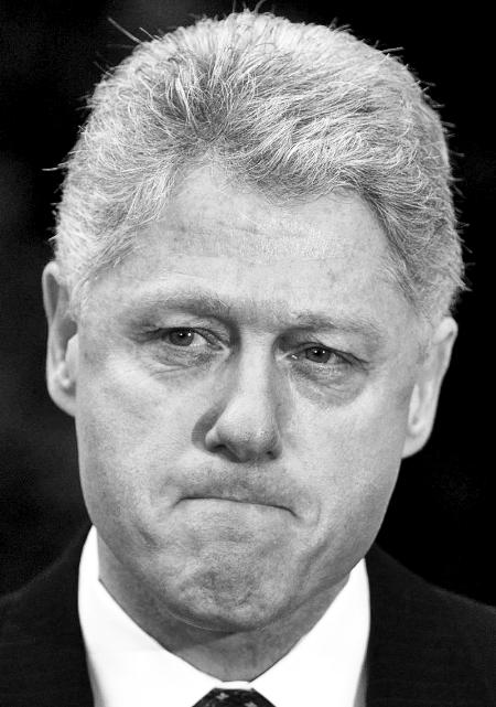 """上世纪90年代,克林顿一度暗地向最亲密的手下顾问诉苦:""""我栽在"""