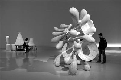 克拉格上演雕塑大爆炸