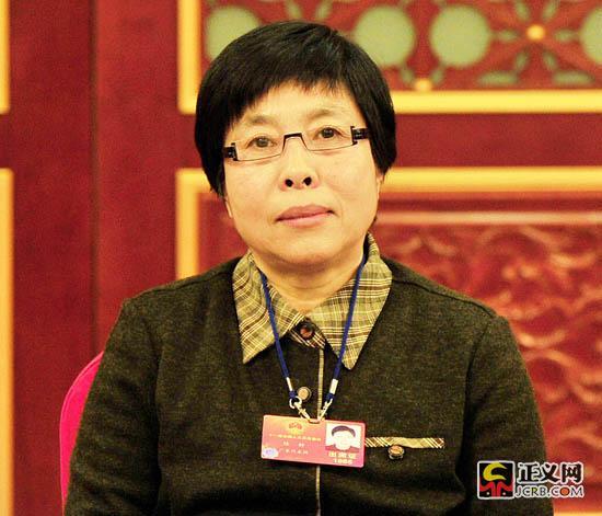 全国人大代表、广州市律师协会名誉会长陈舒。正义网记者程丁/摄