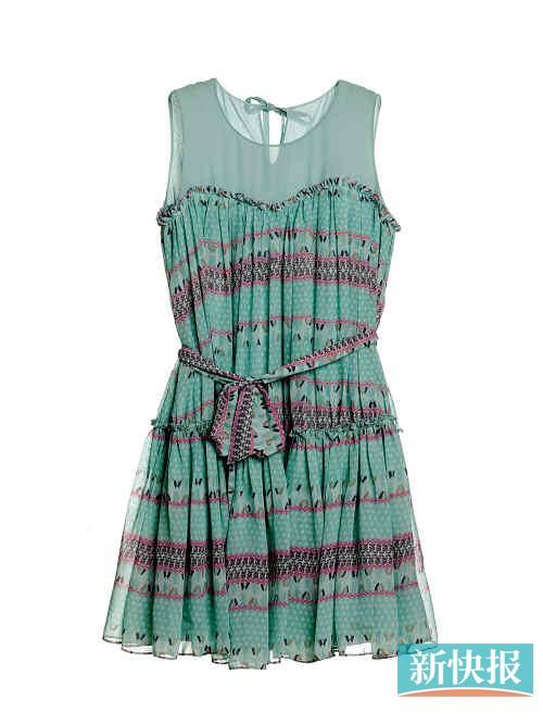 ochirly拼接连衣裙透明雪纺与印花抹胸裙的拼接很实用,有局部透视