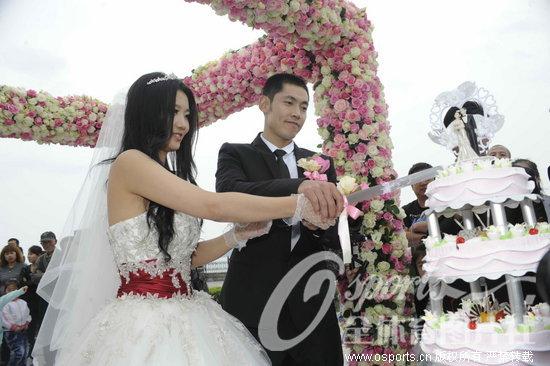 (图)张庆鹏家乡迎娶新娘图片
