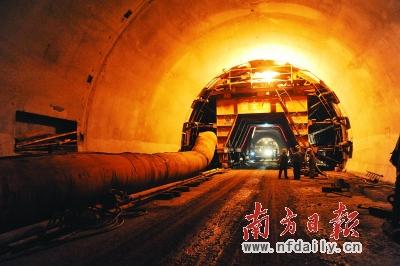为确保广清高速公路扩建工程广清北段