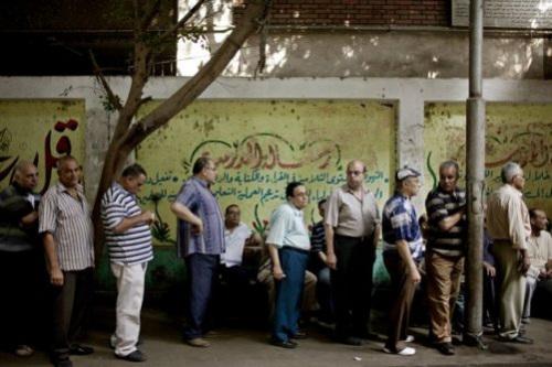 埃及选民排队投票