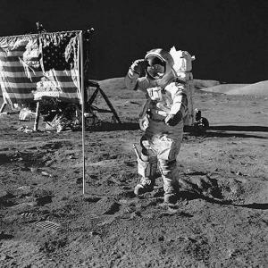别了,第一个登上月球的人