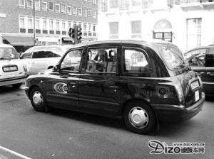 分享到: 这种出租车拥有很高的车厢,能够让乘客可以不用摘掉英式高图片