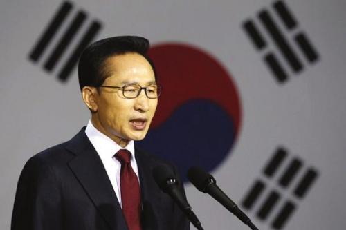 资料图:韩国总统李明博   原标题:李明博称日本正走向极右...