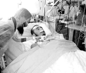 奥姆兰·沙班在医院的资料图片。