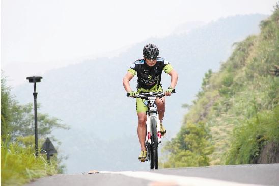 千岛湖畔骑行人周金明:多彩生活扑面来