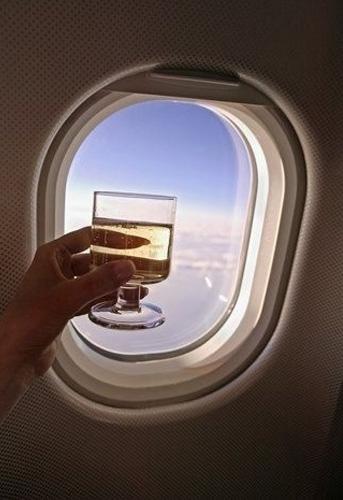 关于飞机上的葡萄酒 你需要知道的一些事情