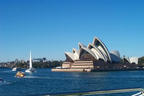 悉尼歌剧院一瞥 宇文纯英摄