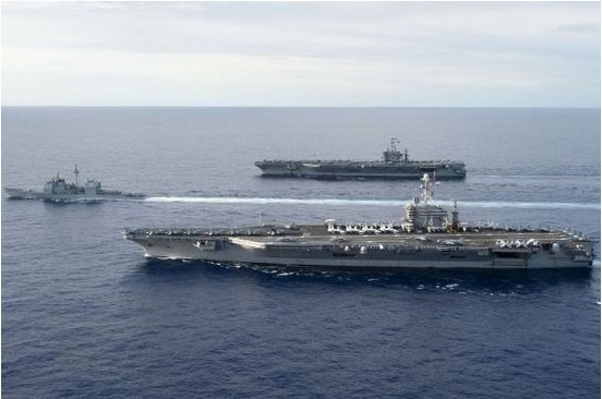 """美国海军两个航母战斗群和一个海军陆战队特遣队已开始在西太平洋活动src=""""http://y3.ifengimg.com/news_spider/dci_2012/10/e8a84756dce7f27bab5b454380a8e2ba.jpg"""""""