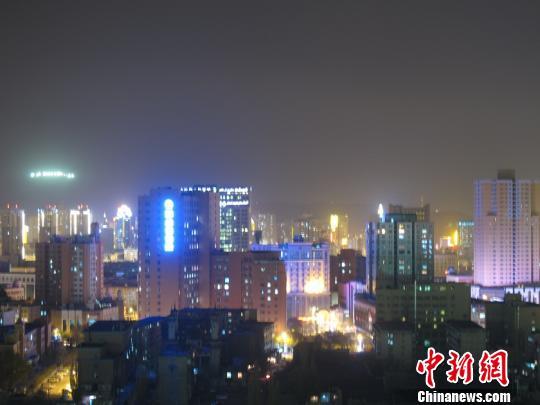 乌鲁木齐深化夜景亮化工程 节能光源点亮夜色