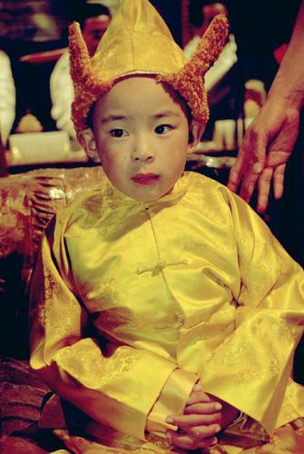 11月29日:十世班禅转世灵童金瓶掣签仪式在拉萨举行