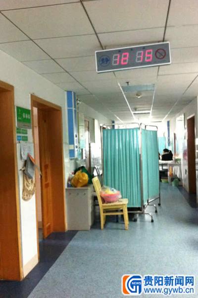 病房有空床 患者睡走廊(组图)