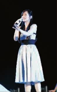 皮》首映礼上,张靓颖深情献唱《画心》-陈少琪 追梦的金牌多面手图片