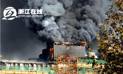 杭州解百楼顶空调冷却塔起火
