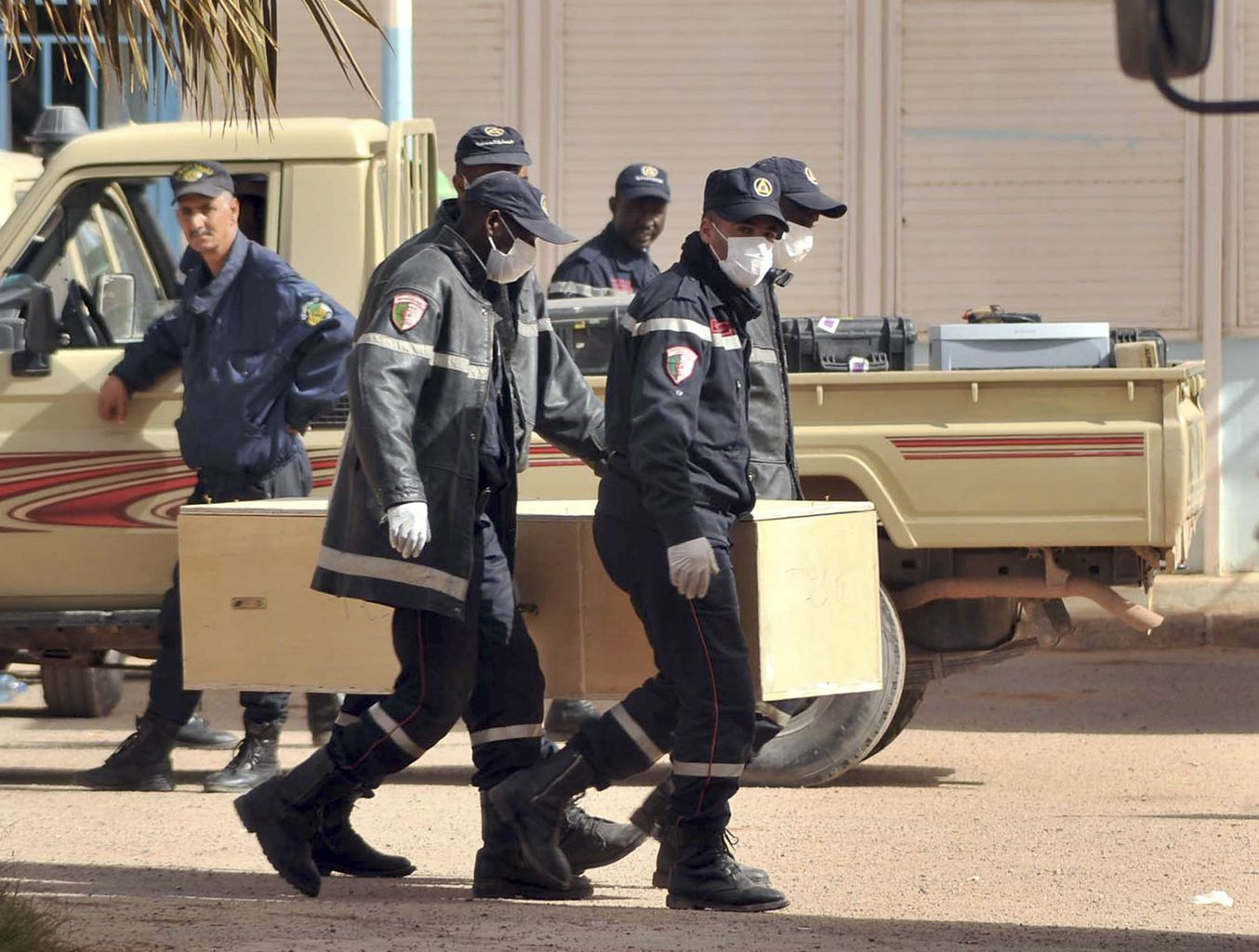 <font color=red>阿尔及利亚人质事件</font>致37名外国人遇难 两加拿