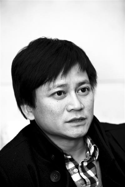 """李承鹏昵称""""李大眼"""",足球记者,畅销作家。代表作品《甲A十年》、《中国足球内幕》、《李可乐抗拆记》等。"""