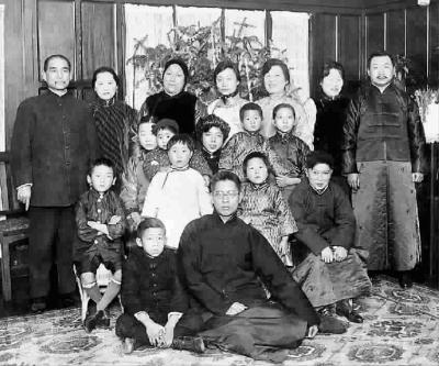 孙中山与宋家人合影首次发现 今年1月27日是国家名誉主席宋庆龄诞辰