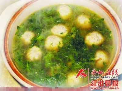 鱼糕圆子煮大白菜
