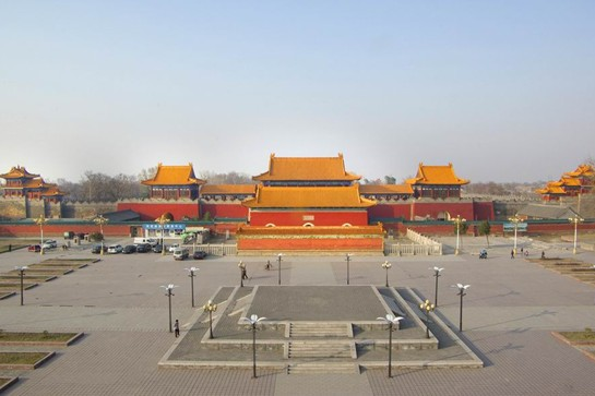 远眺西岳庙图 华山景区管委会提供   西岳庙是供奉西岳大...