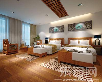 一层二层临街客房:传统中式融入现代感的白色,大量花草图案与木地板