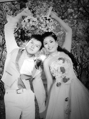 """小伙""""速配""""越南新娘后冲突不断:她把自己当女皇"""