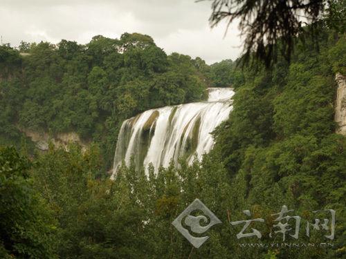 全国网络媒体记者走进贵州黄果树瀑布景区 高清图片