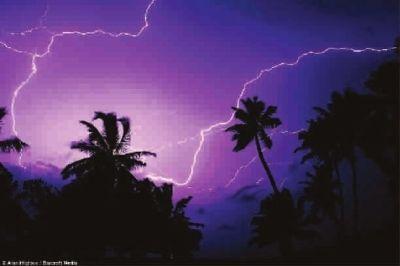 闪电降价只凤凰资讯_特殊大气现象:卡塔通博闪电_资讯频道_凤凰网