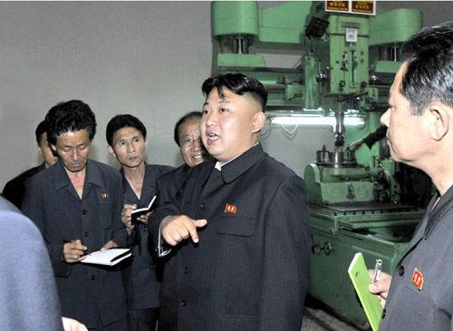正恩视察机械厂 要求制造更多符合朝鲜国情产