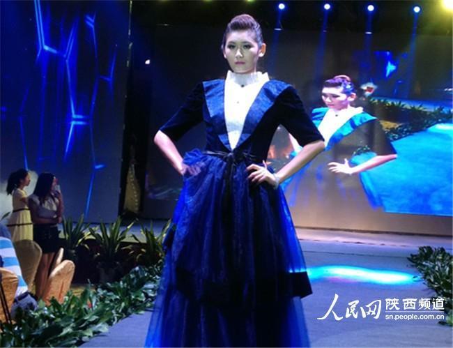 古典模特秀 李赢 摄