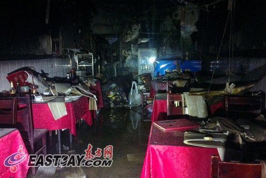 上海浦东四饭店晚间接连起火 无人伤亡(图)