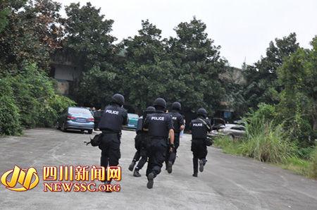 双流和新津两地警力迅速出击。