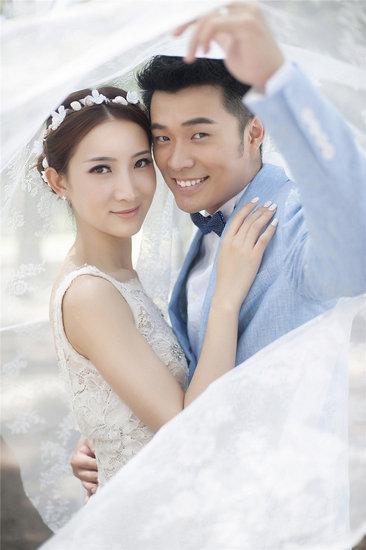 陈赫浪漫结婚照全曝光 文章何炅谢娜娄艺潇齐祝福