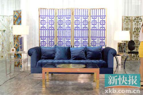蓝色窗格屏风(不锈钢金属边框)参考价格:17262元