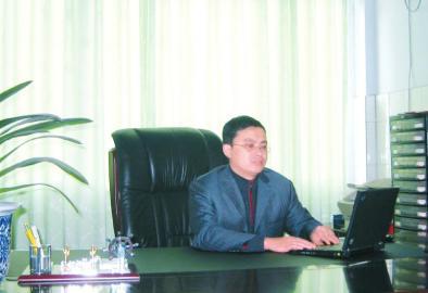 四川省达县第三中学校长。图片由校方提供