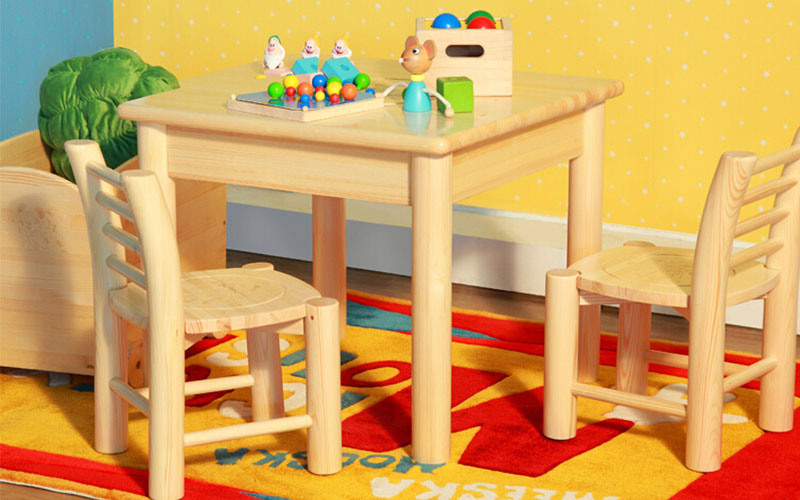 儿童方桌椅组合