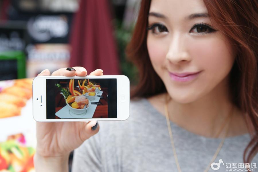 长版气质有人爱美女苹果展示iphone5cf美女图片图片
