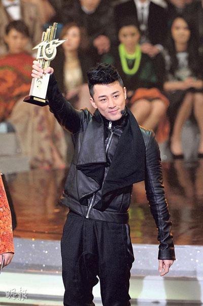 """林峰连夺3个大奖,包括首夺""""最受欢迎男歌星"""",终于吐气扬眉"""