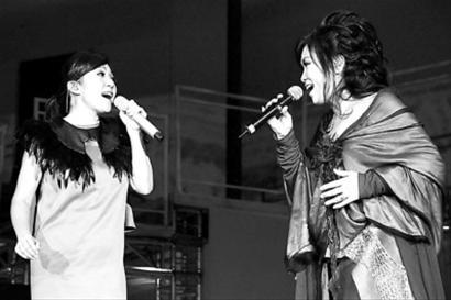 □黄韵玲与齐豫合唱《梦田》