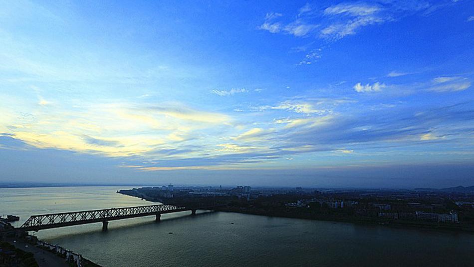 襄阳大剧院,城市印象馆,古城墙影像灯光秀……14日在武汉举行的