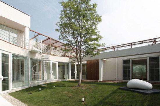 日本開闊庭院別墅(圖)